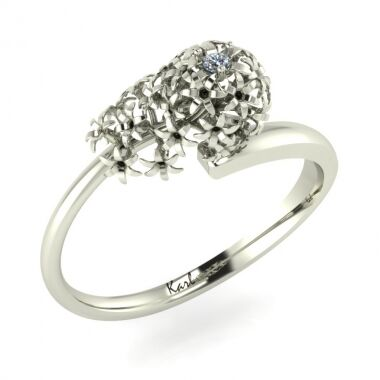 Sweet Candia engagement ring